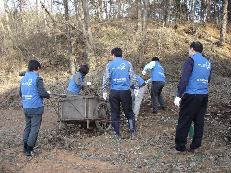 브니엘 자원봉사 중에 2011년
